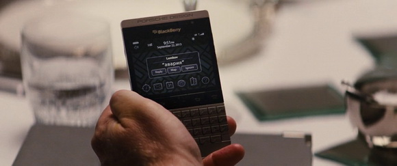 BlackBerry in Jack Ryan: Shadow Recruit (2014, Paramount, screen capture)