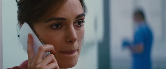 iPhone in Jack Ryan: Shadow Recruit (2014, Paramount, screen capture)