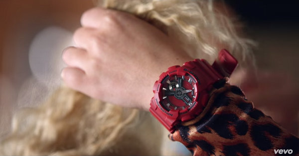 G-Shock in Britney Spears and Iggy Azalea's Pretty Girls (2015, RCA, screen capture)