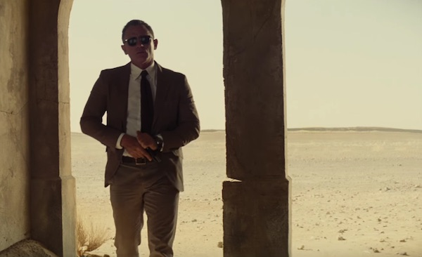 Tom Ford's suit in Spectre (2015, Sony Pictures and Columbia, screen capture)