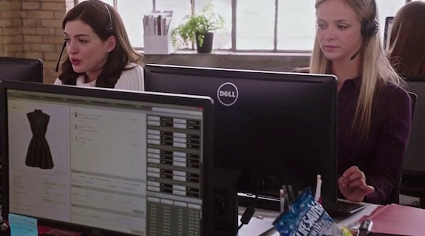 Dell's product placement in The Intern (2015, Warner Bros., screen capture)